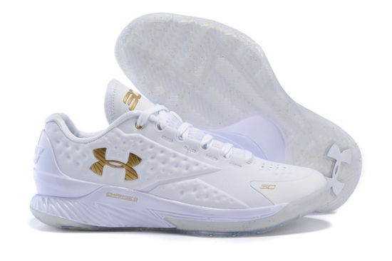 UNDERARMOURのCURRY1ローカット