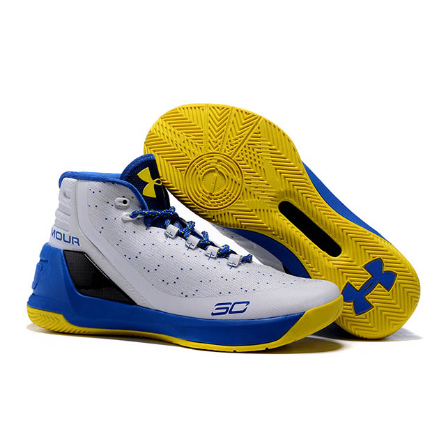 UNDER ARMOURのCURRY3